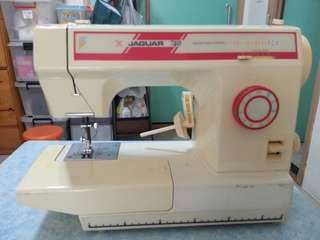 Sewing Machine 家用小型車衣機/縫紉機
