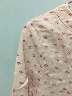 Flowery pink top