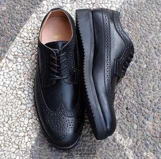 Brygan Footwear Azzz Longwing Black