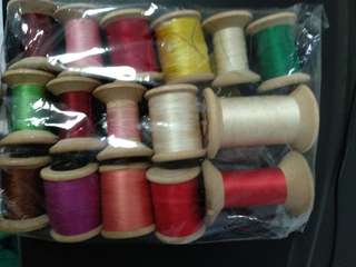 Retro assorted thread rolls