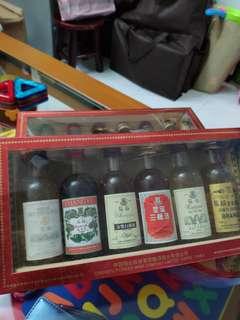 陳年張裕特别限量纪念中國名酒43mlx6支酒辦連精美木架套裝。每一套
