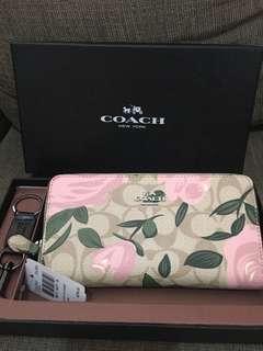Original coach accordion zip wallet with camo rose