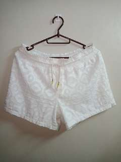 White Short With Drawstring
