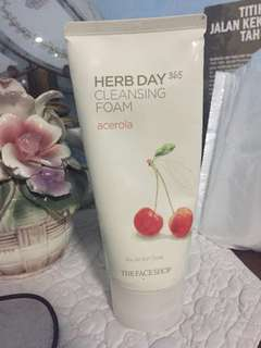 The Face Shop Herb Day 365 Cleansing Foam