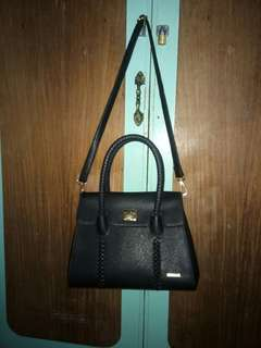 Black handbag/slingbag