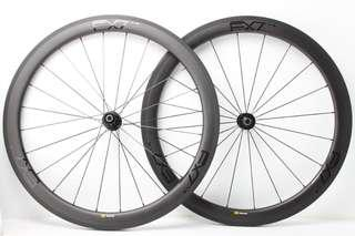 EXtremeLight Carbon Clincher With DT-Swiss 240s Hubs