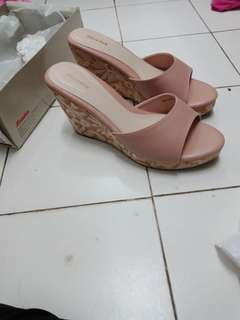 Bata nude wedges
