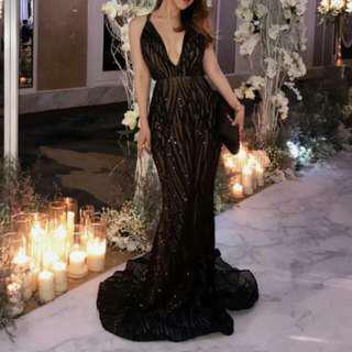 (For Rent) Jadore elegant bareback deep V gown