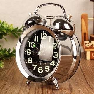 🚚 Clock