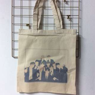 Wanna One totebag