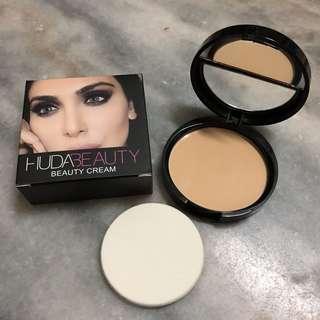 Huda Beauty Cream Foundation