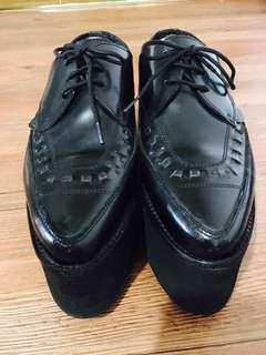 Underground暗黑超厚高尖頭黑牛皮編織鞋