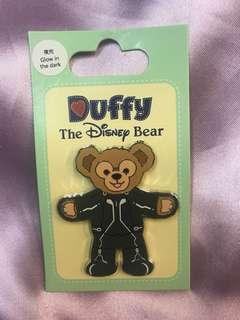 迪士尼夜光徽章Duffy