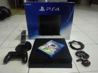 Playstation 4 / PS4 Fullbox Like New (Fat Version)