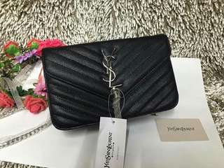 Yves Saint Laurent Slingbag