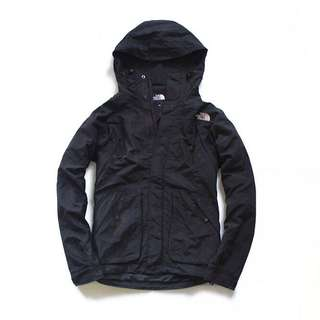 Jaket Outdoor The North Face