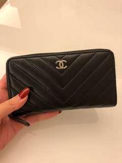 中長款Chanel wallet黑色
