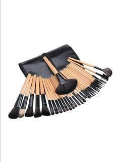 24pcs Make up brush set for sale with wooden handle and leather pouch!