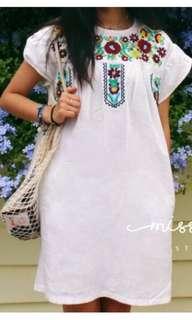 波西米亞風刺繡洋裝