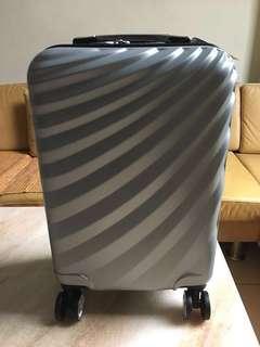 20吋 ABS 行李箱 登機箱 銀色 (高雄可面交)