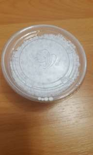 純白粒粒發泡膠