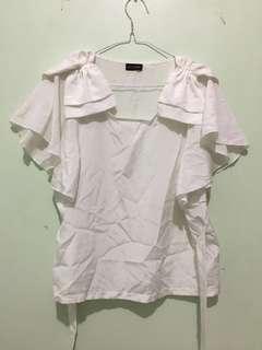 Baju Putih Pita