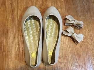 下雨天必備防水粉色娃娃鞋