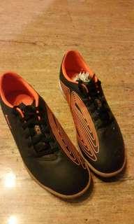 Sepatu futsal League ACE