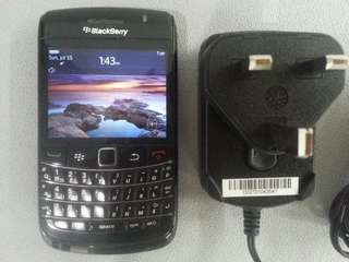 Blackberry Bold 9780 with charger