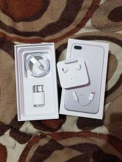 ORIGINAL iPhone Charger (from iPhone 8 Box)