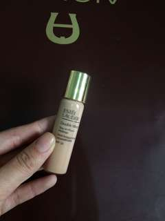 Estee Lauder Double Wear Foundation In the Shade Ivory Rose