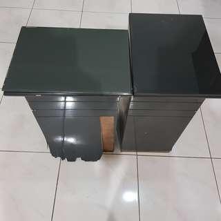 Meja Kecil Kayu Atasnya Kaca