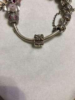 Pandora 禮物 Charm
