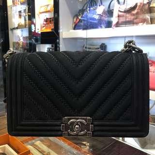 正品 90%新 Chanel Boy 25cm 黑色V紋磨紗牛皮雙鍊上膊斜揹袋