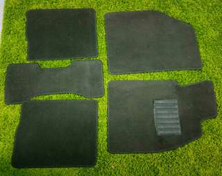 Set karpet original Persona 2014