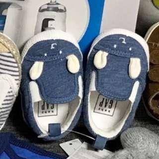 GAP 0-3months shoes