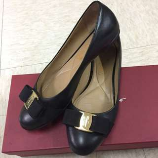 Salvatore Ferragamo Shoes (size 36)