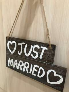 """Just Married"" Vintage Wedding Sign"