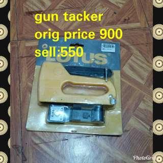 Gun tacker