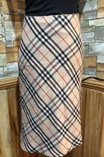 Authentic Burberry London Skirt size 6