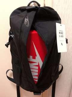 超實用NikeLab 多用途純黑背囊