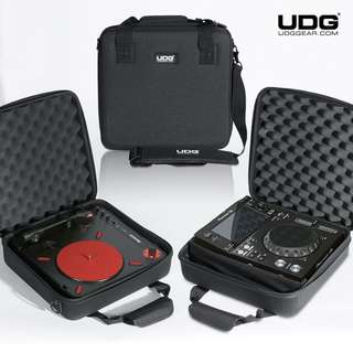 UDG Pioneer XDJ-700 / Numark PT01 Scratch Turntable USB Hardcase Black