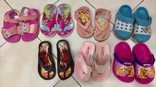 ❣️kids sandals in bundle
