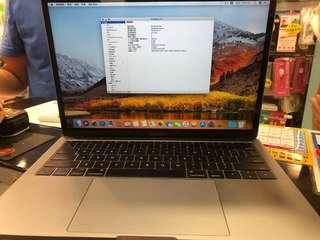 MacBook Pro 13寸  i5 256GB