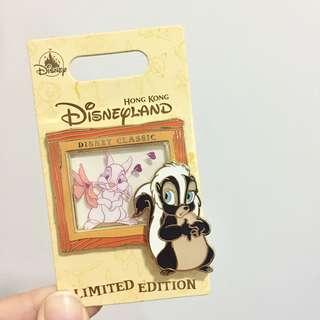 全新 迪士尼 限量版 賓妮 徽章