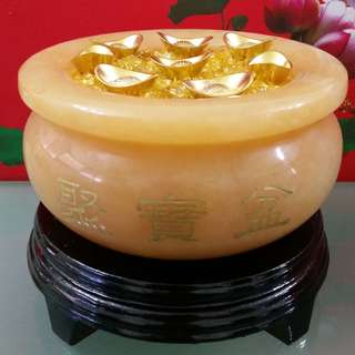 16 cm Yellow Jade Wealth Pot - 16 公分黄玉聚宝盆
