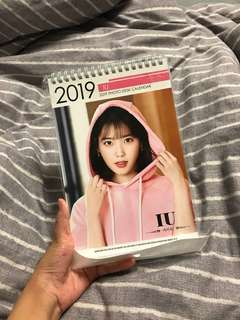 最新韓國買 2019 IU Calendar 李知恩 月曆