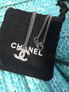 Chanel 頸鏈 Classic Logo Crystal Necklace 超閃