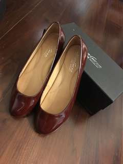 Kenneth Cole Flats Patent Cherry Color Shoes