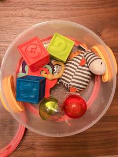 🚚 B.toys 玩具 球 布偶 固齒器 組合